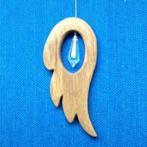 Deze engelen vleugel is van eikenhout gemaakt maar is ook te bestellen in beukenhout blank of geolied. Maat: 14 cm Bestel nr. R201302. Prijs € 15,00