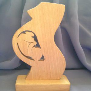 sculptuur-zwangerschap-moeder-baby-in verwachting