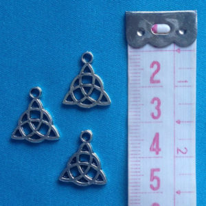bedeltje-keltische-knoop-tibetaans-zilver