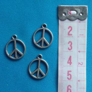 bedeltje-vredesteken-pease-tibetaans-zilver