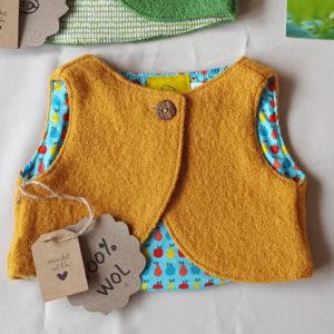 geel-wollenvestje-babyvestje-babykleding-100%wol-antroposofisch-maat56