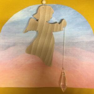 Engel--engeltje-beukenhout-regenboogkristal-raamhanger-regenboog-kristal-beschermengel-beschermengeltje3