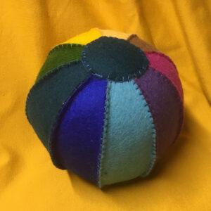 Speelbal-2-rammelaar-kraamcadeautje-kraamfeest-babyshower
