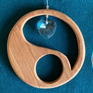 Raamhanger-YinYang-yin-yang--kosmische-dualiteit--vrouwman-licht